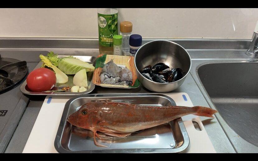 魚介の白ワイン煮の材料画像です