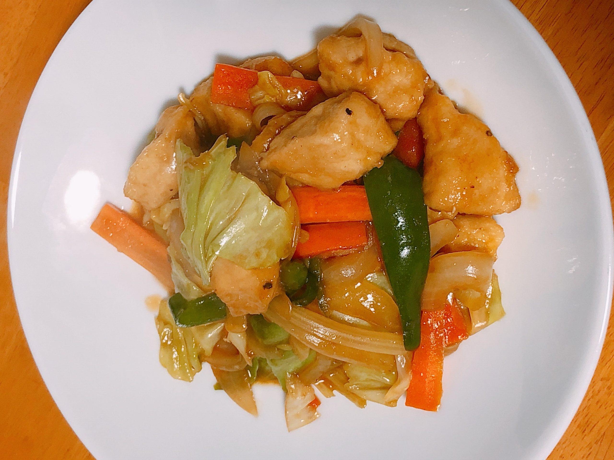 鶏むね肉のピリ辛味噌炒め盛り付け画像です